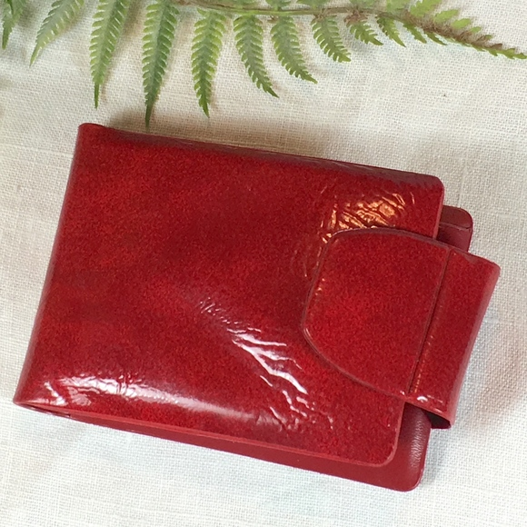 Unknown Handbags - Vintage Vinyl bifold wallet